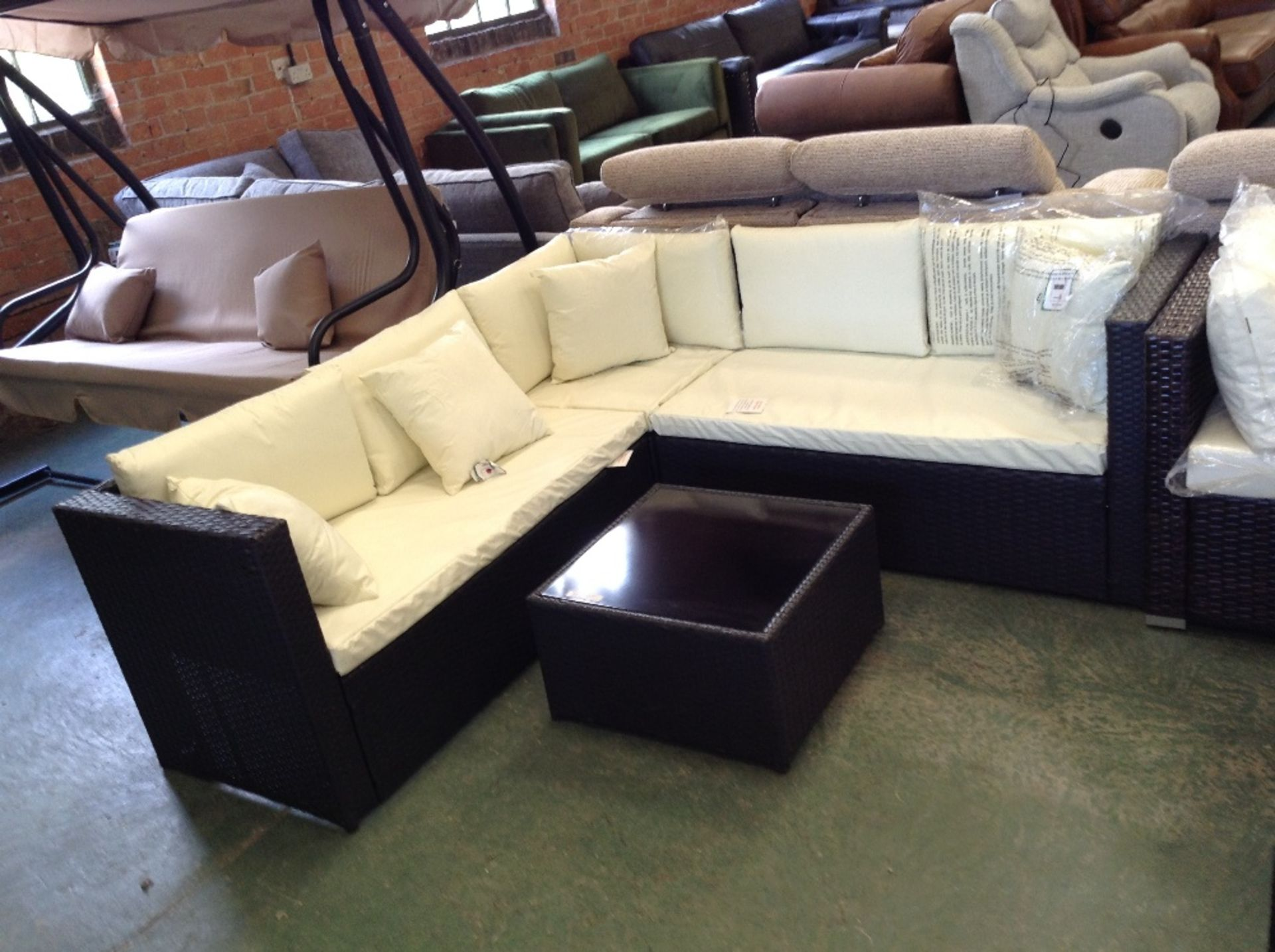 Lot 71 - Sol 72 Outdoor Irthlingborough 5 Seater Rattan Corner Sofa Set (VDAX2809 - 12435/4)