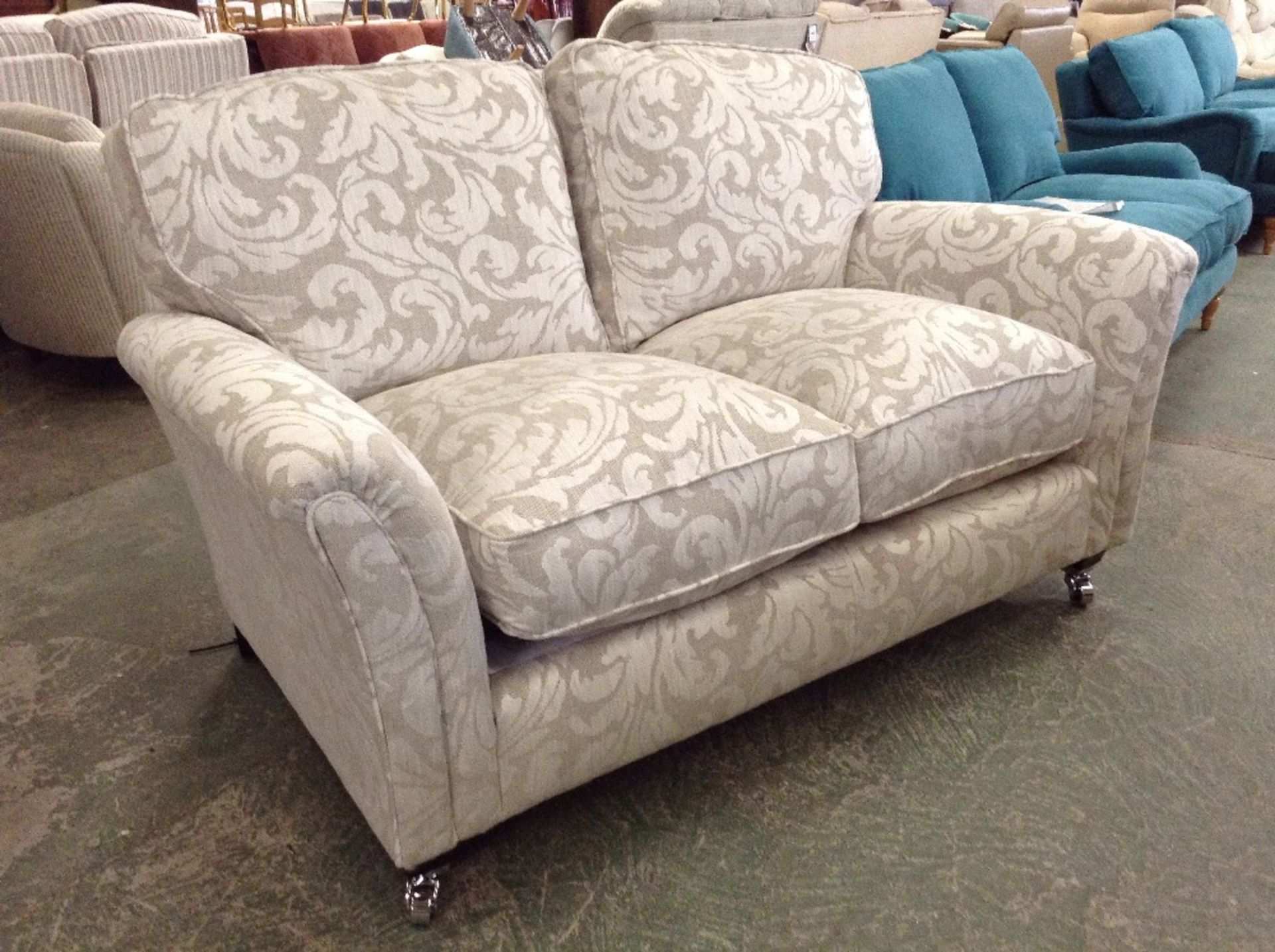SILVER PATTERNED 2 SEATER SOFA (TROO1650-WOO569747