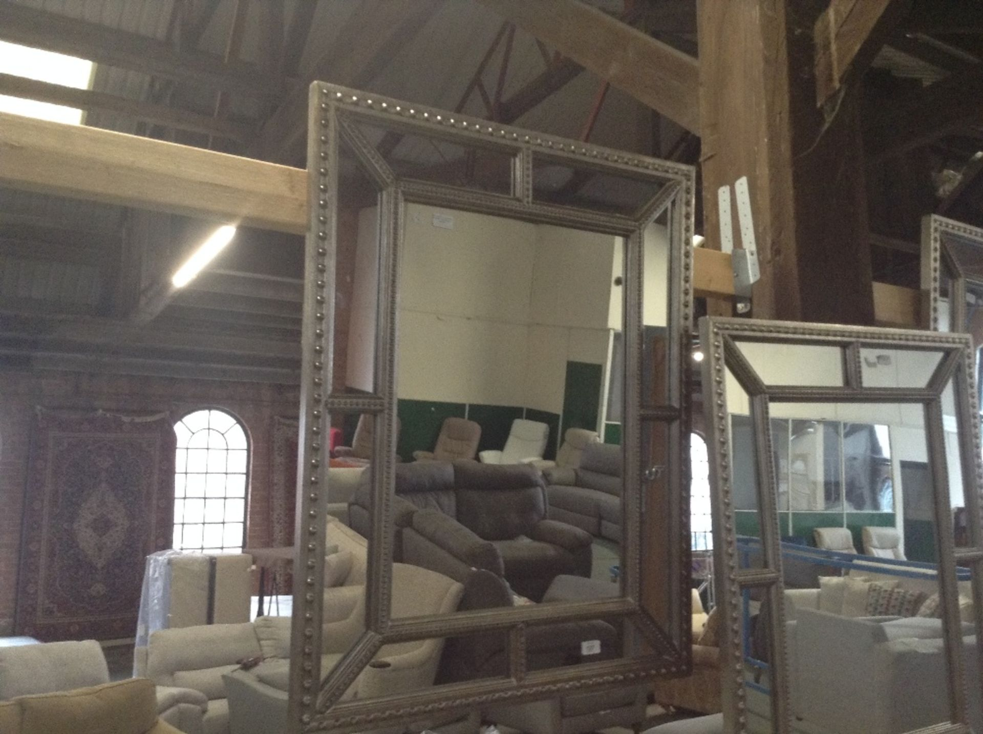 Lotto 127 - Canora Grey Jaylin Full Length Mirror (HQQ5254 - 1