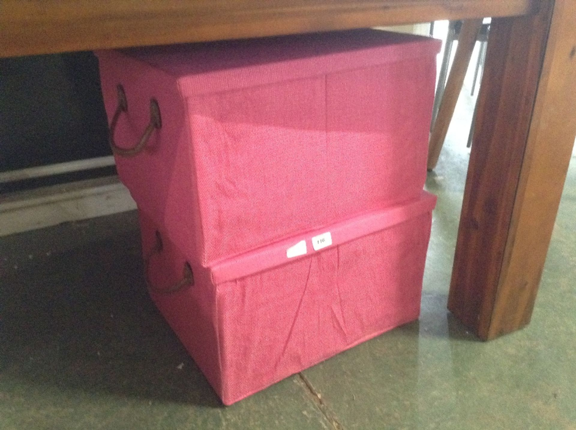 Lotto 116 - 2 X PINK STORAGE BASKETS