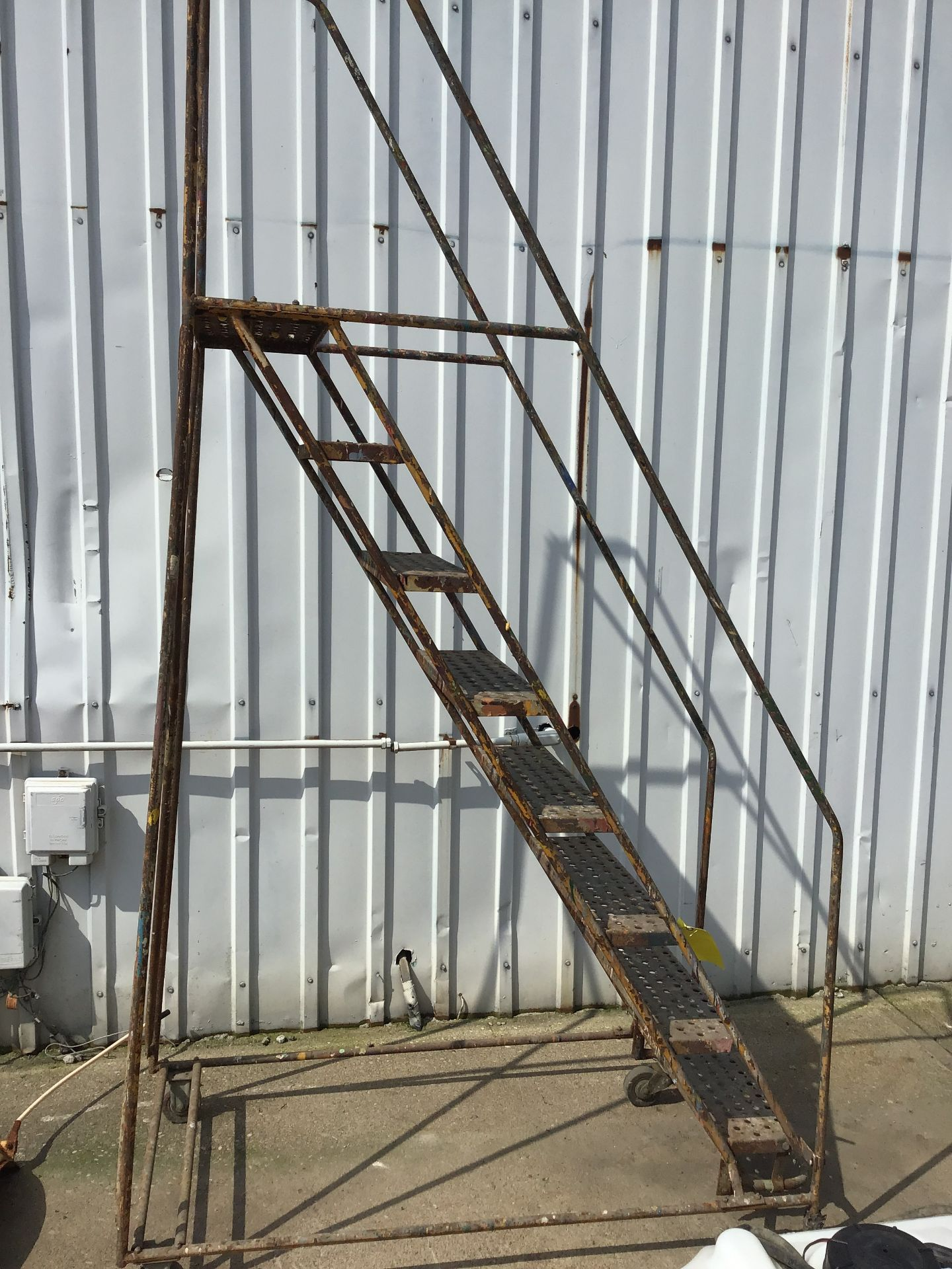 Lot 36 - STEEL LADDER- 8 STEP