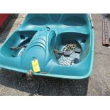 Lot 40 - 2-PERSON PADDLE BOAT