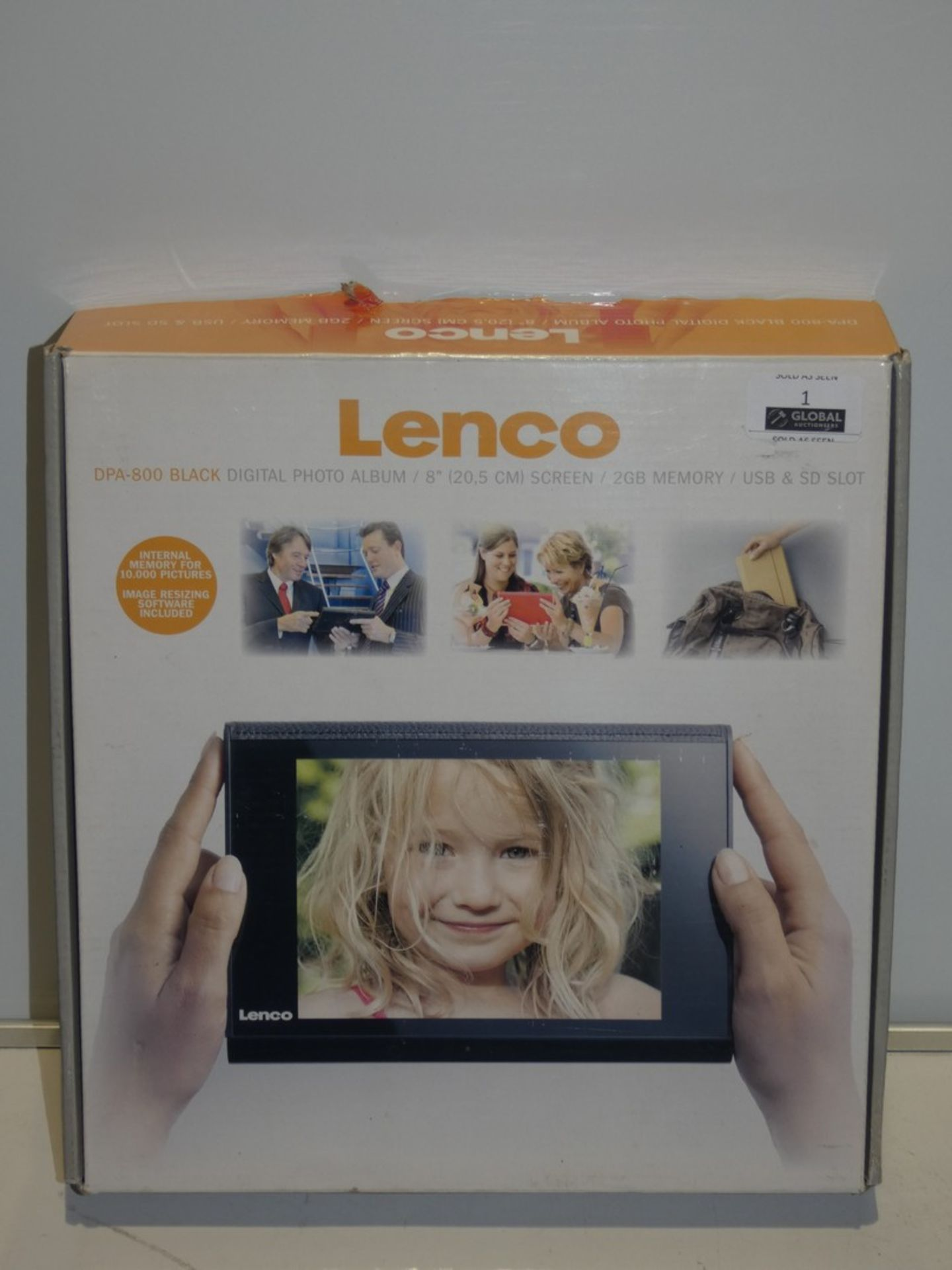 Lot 1 - Boxed Lenko Black 8 Inch Digital Photo Frame 2GB Memory USB and SD Card Slot RRP £60