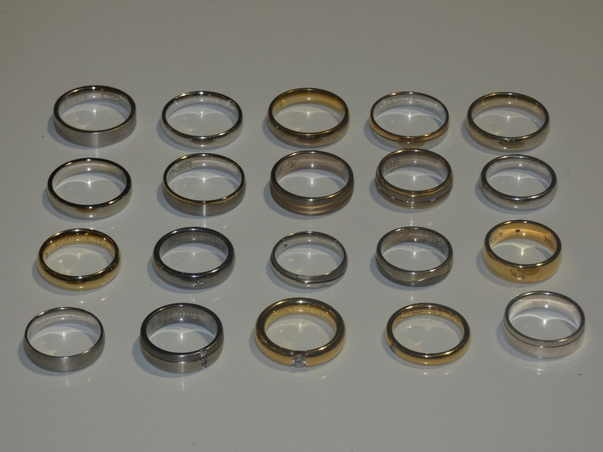 Lot 28 - Lot to Contain 20 Gestner Style Desginer Shoe Piece Wedding Rings in Assorted Sizes and Styles