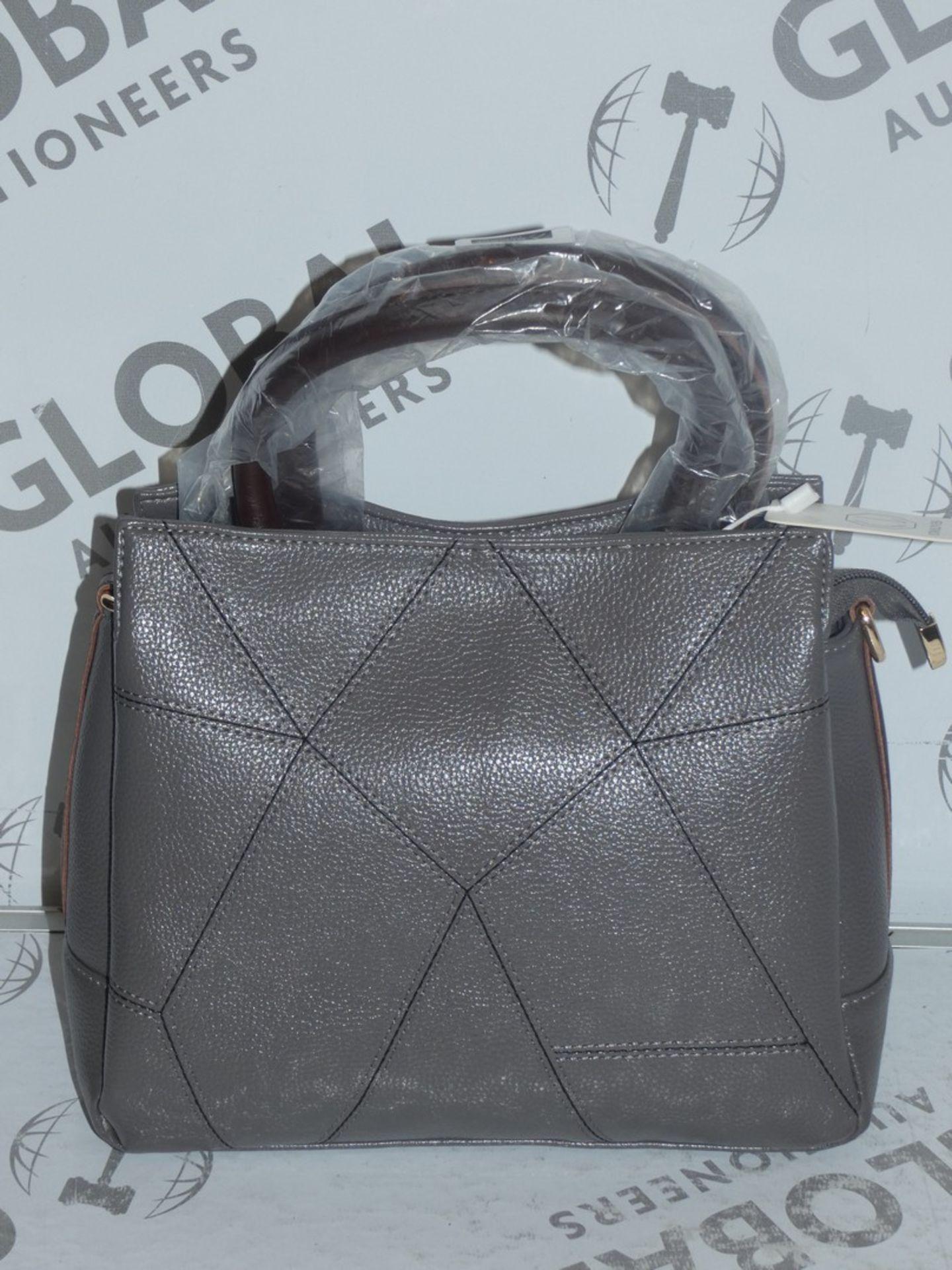 Lot 24 - Brand New Coolives Women's Grey Leather Designer Shoulder Bag RRP £50