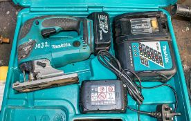 Makita 18v cordless reciprocating saw c/w charger, 2 - batteries & carry case A636392