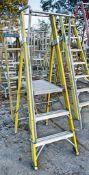 Clow 3 tread glass fibre framed step ladder A853799