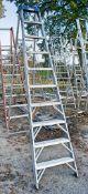 Clow 10 tread aluminium step ladder A937047