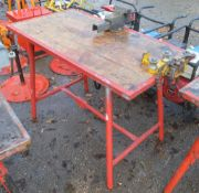 Collapsible steel site bench c/w pipe vice & bench vice