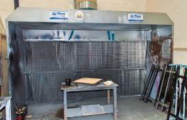 Airflow spray booth Dimensions: 400 cm W x 220 cm H x 120 cm D