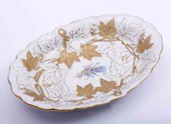 Prunkschale, Meissen, 20.Jh., Ovalform, reliefierter Weinlaubdekor, Porzellan, L: 29,5cm, Gold