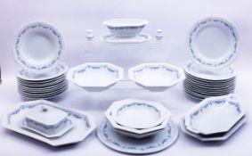 """Rest-Speiseservice, Rosenthal, 20.Jh., Dekor """"Maria Weiß"""" mit blauem Festondekor, 36-tlg., L: ("""