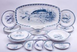 Jugendstil-Fischservice, Keramik, deutsch, um 1900, Fischdekor, im Boden Bindenschild, 1 gr.