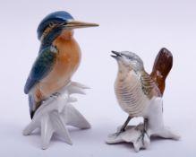 2 unterschiedliche Vögel, Ens, 20.Jh., naturalistisch staffiert, Porzellan, H: 9-12,5cm2 birds, Ens,