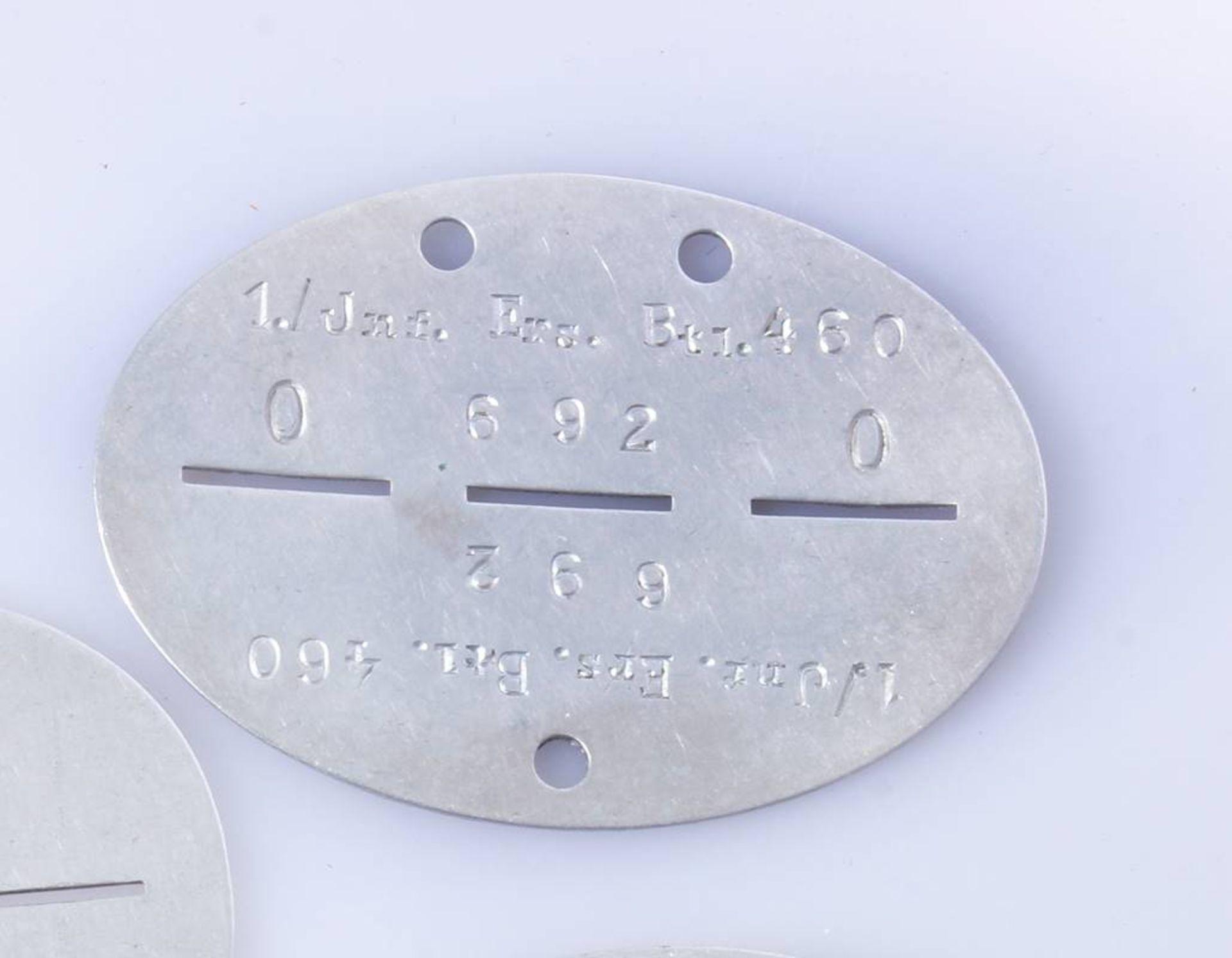 3 x Erkennungsmarken WehrmachtErkennungsmarken der Infanterie und einer Baukompanie Wehrmacht. - Bild 2 aus 5