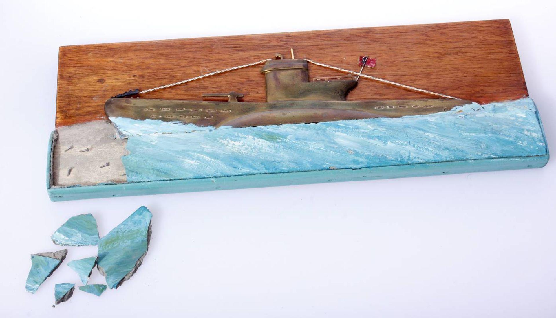 Kriegsmarine Uboot ReliefMessingrelief eine Ubootes Typ VII der Kriegsmarine, stilisiert durch