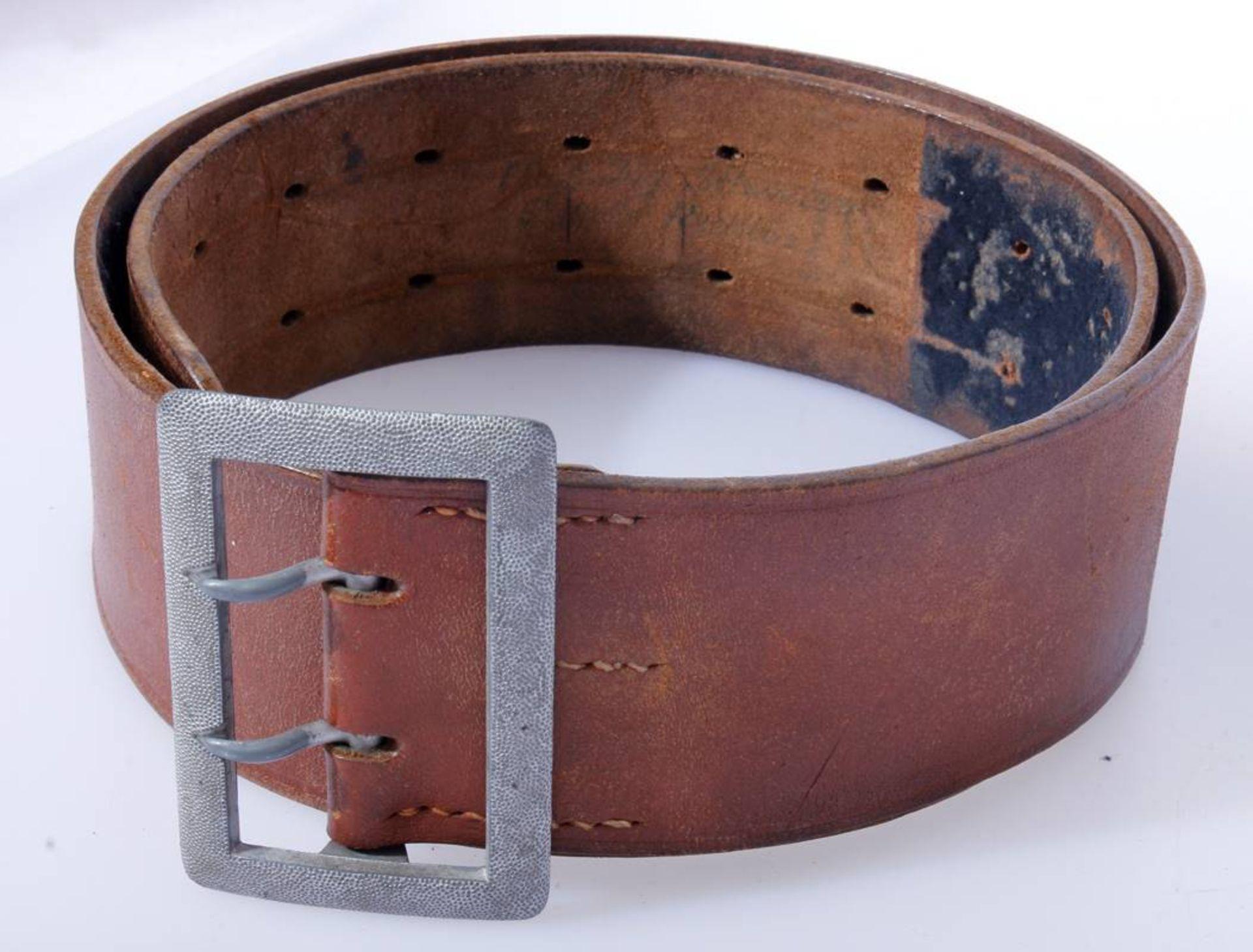 2 x Koppel für Offiziere der Wehrmacht2 x Koppel für Offiziere mit Aluminium Schließen, Leder - Bild 5 aus 7
