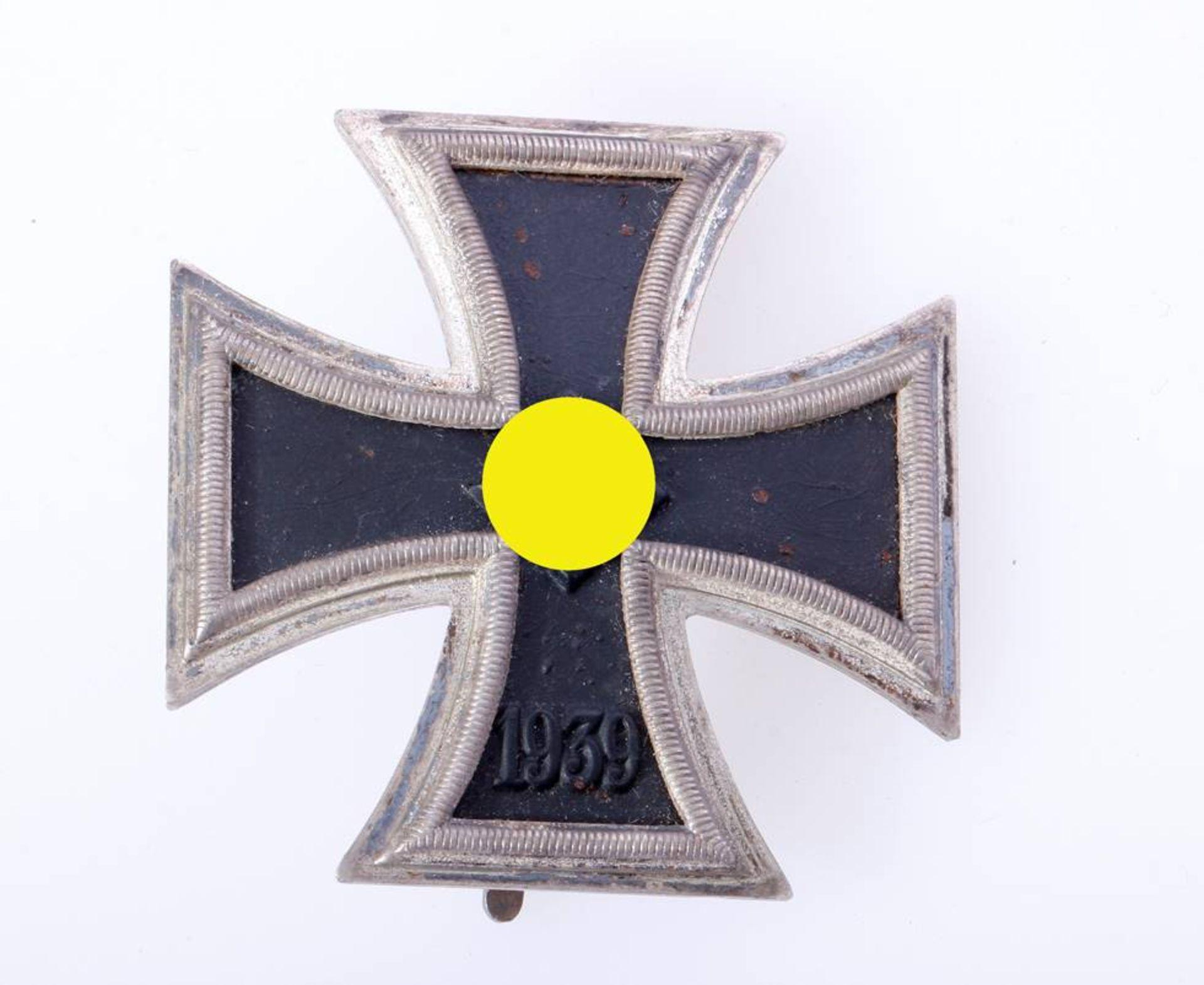 Eisernes Kreuz 1. Klasse 1939Kreuz an Nadel mit Herstellerkennung L/52 und 20. Kernschwärzung