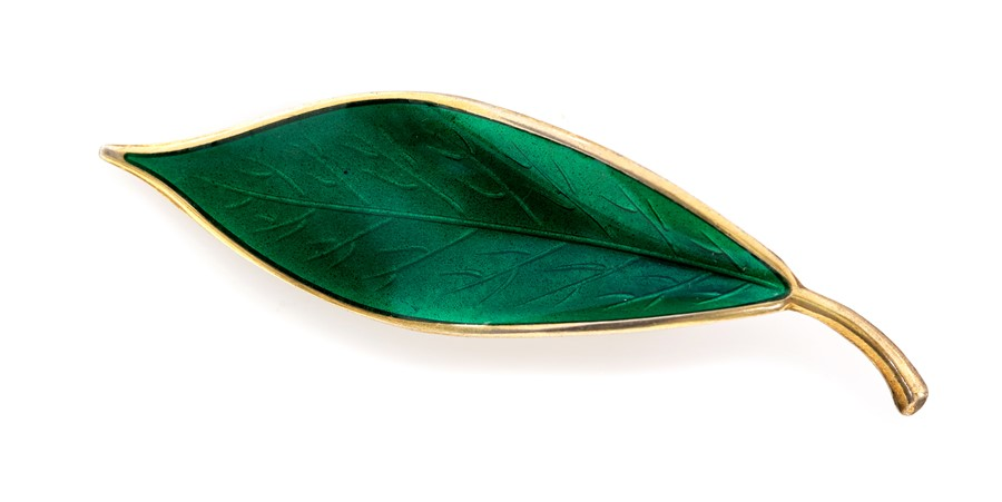 Lot 30A - Willy Winnaess for David Andersen - a Norwegian silver and enamel leaf brooch, approx 7cm long,