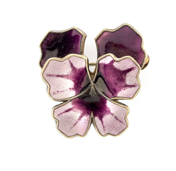 Lot 19 - David Andersen - a Norwegian silver and enamel pansy brooch, in tones of purple, approx 2.4cm