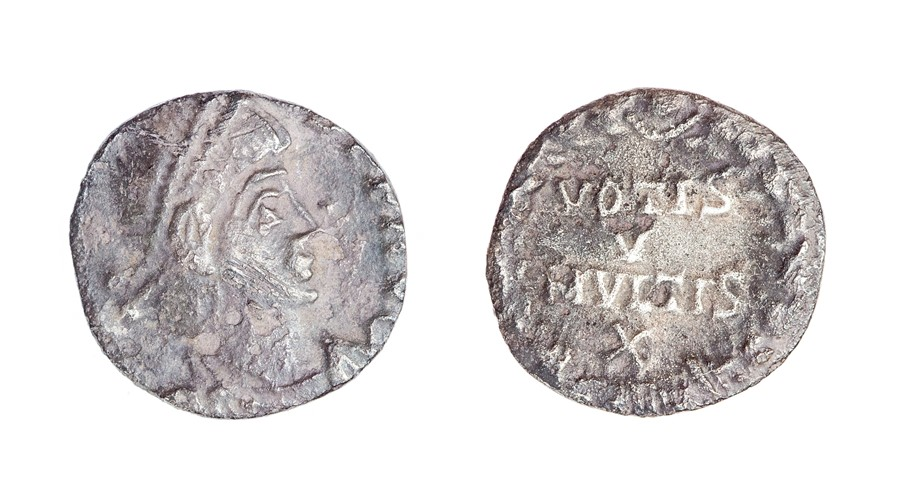 Lot 61 - A clipped silver siliqua probably struck for Julian II (AD 355-363) dating to c. AD 360-363.