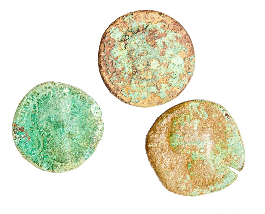 Lot 63 - A mixed lot of three Roman copper-alloy sesterces. Represented in this lot: Domitian/Nerva (1),