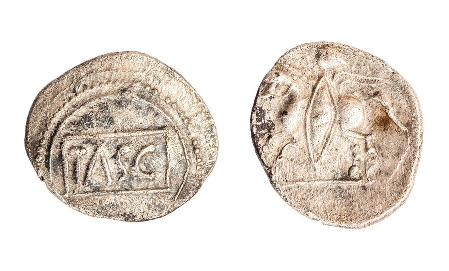 Lot 27 - A silver unit of the North Thames Region/Catavellaunii, struck under Tasciovanus (20 BC-AD 10).