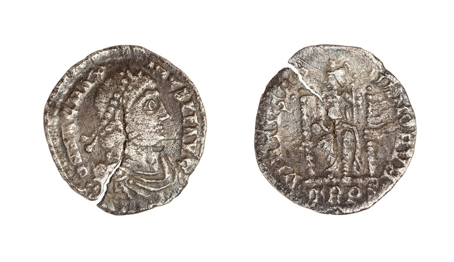 Lot 44 - A silver siliqua of Magnus Maximus (AD 383-388) dating to c. AD 383-388. Obverse: DN MAG MAX-IMVS PF