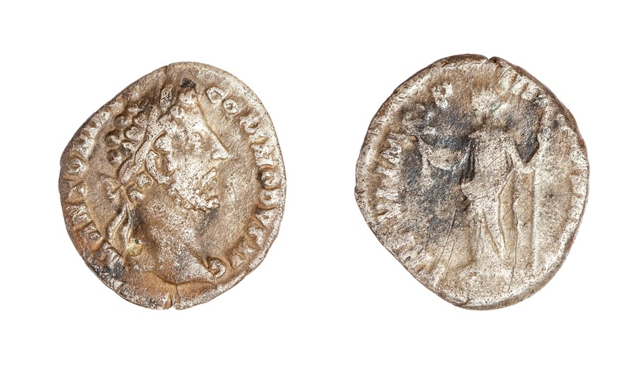 Lot 60 - A silver denarius of Commodus (AD 180-196) dating to c. AD 181. Obverse: laureate head right, M