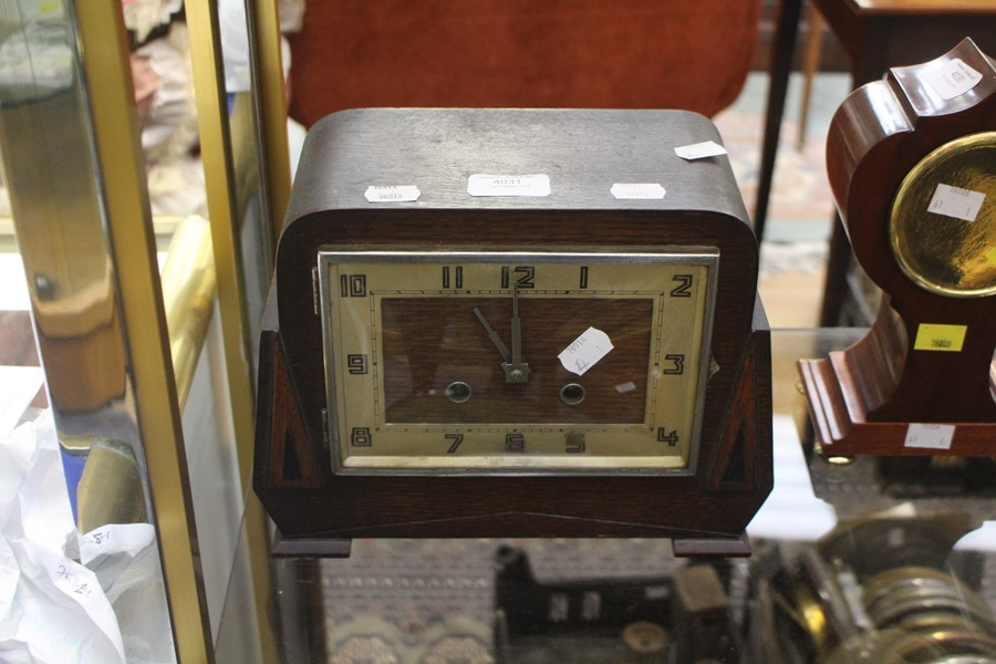 Lot 4031 - 1930/40's mantle clock, Arabic numerals