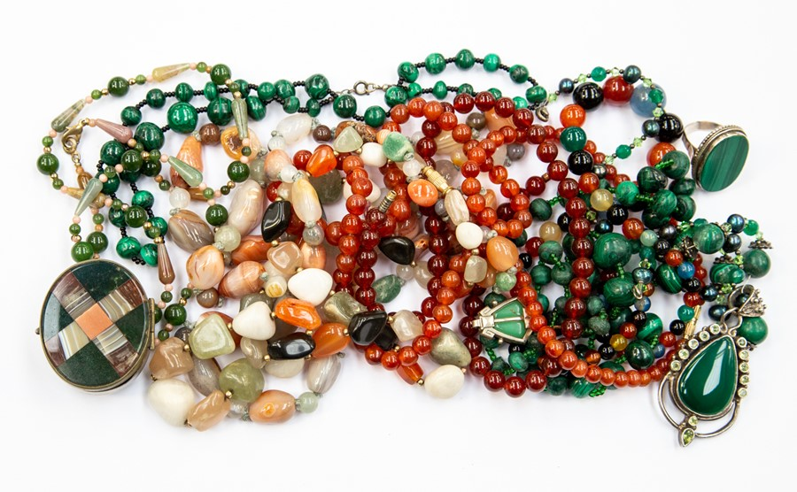 Lot 346 - A collection of semi precious and glass bead jewellery to include malachite necklaces and ring
