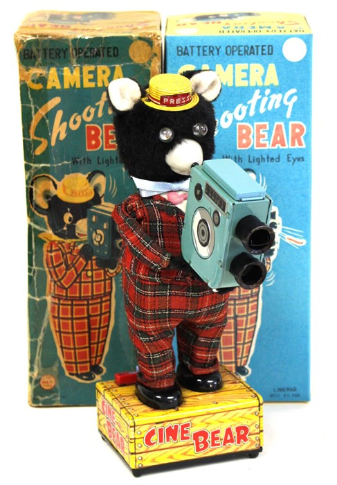 Lot 14 - Camera Shooting Bear: A boxed, 1950's, battery operated, tinplate, Camera Shooting Bear with Lighted
