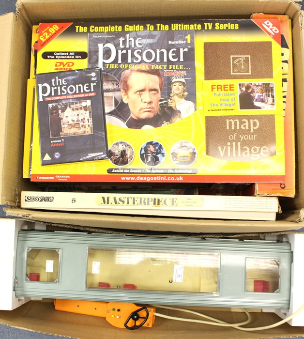 Lot 33 - Vintage Games: A collection of assorted vintage games to include: The Fastest Gun by Denys Fisher;