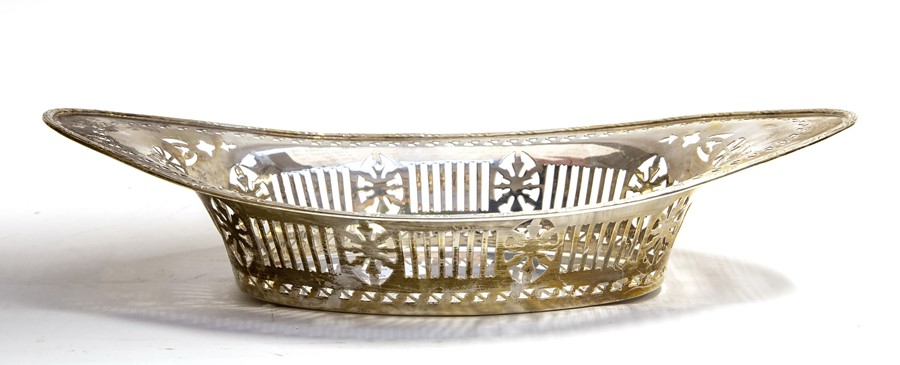 Lot 36 - A George V silver Neo-Classical navette shaped basket, by Barker Brothers, Chester, 1924, 10.28 ozt