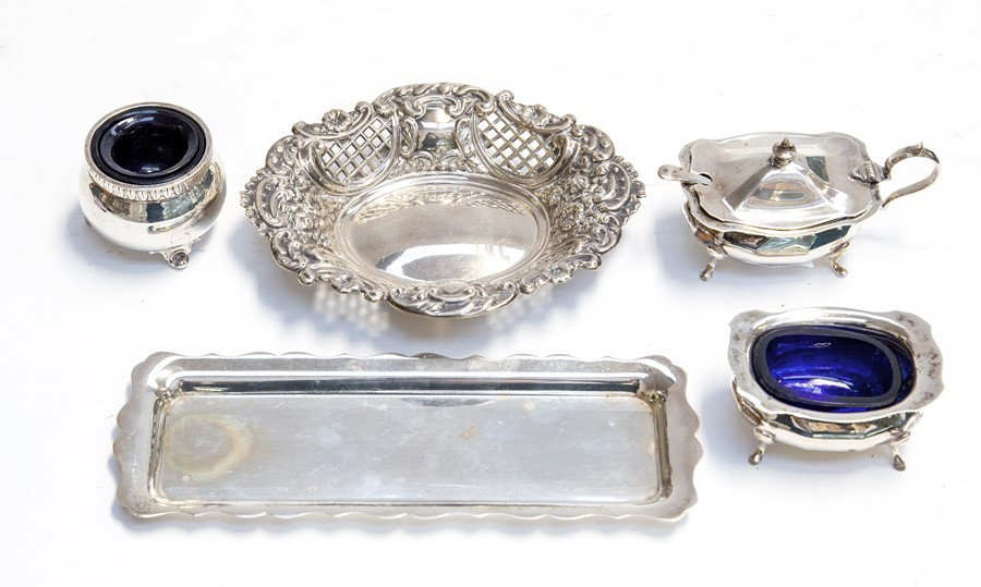 Lot 46 - A collection of silver including: pair of Georgian style salt and mustard pot with cover, blue glass