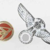 Uniformzubehör III. Reich für den SA-Dolch, 1 x Adler mit Swastika, rs. Herstellerzeichen,