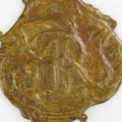 """Zierblech """"Augustus Rex"""" Sachsen Messing, von Hand getrieben bzw. verziert, zentrales Monogramm """"AR"""""""