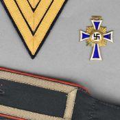 """Konvolut Militaria III. Reich insg. 4 Teile, dabei: 1 x """"Der deutschen Mutter"""", Stufe Gold mit Etui,"""
