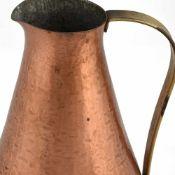 Schenkkanne Schwäbische Zinn- und Silberschmiede Harald Buchrucker, Kupfer, konische Wandung mit