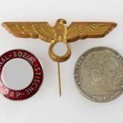 """Konvolut III. Reich insg. 3 Stücke: 1 x Parteiabzeichen der NSDAP, """"RZM""""-Marke im Kreis, 1 x"""
