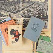 """Konvolut Literatur, Karte und Dokumente III. Reich insg. ca. 10 versch. Ausgaben, dabei u.a.: 1 x """""""