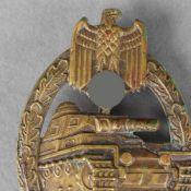 Kampfabzeichen III. Reich Panzerkampfabzeichen, Ausführung in Buntmetall, hohl geprägt, senkrechte