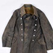 Offiziersmantel III. Reich graues schweres Leder, innen mit Stoff ausgekleidet, lange Größe (wohl