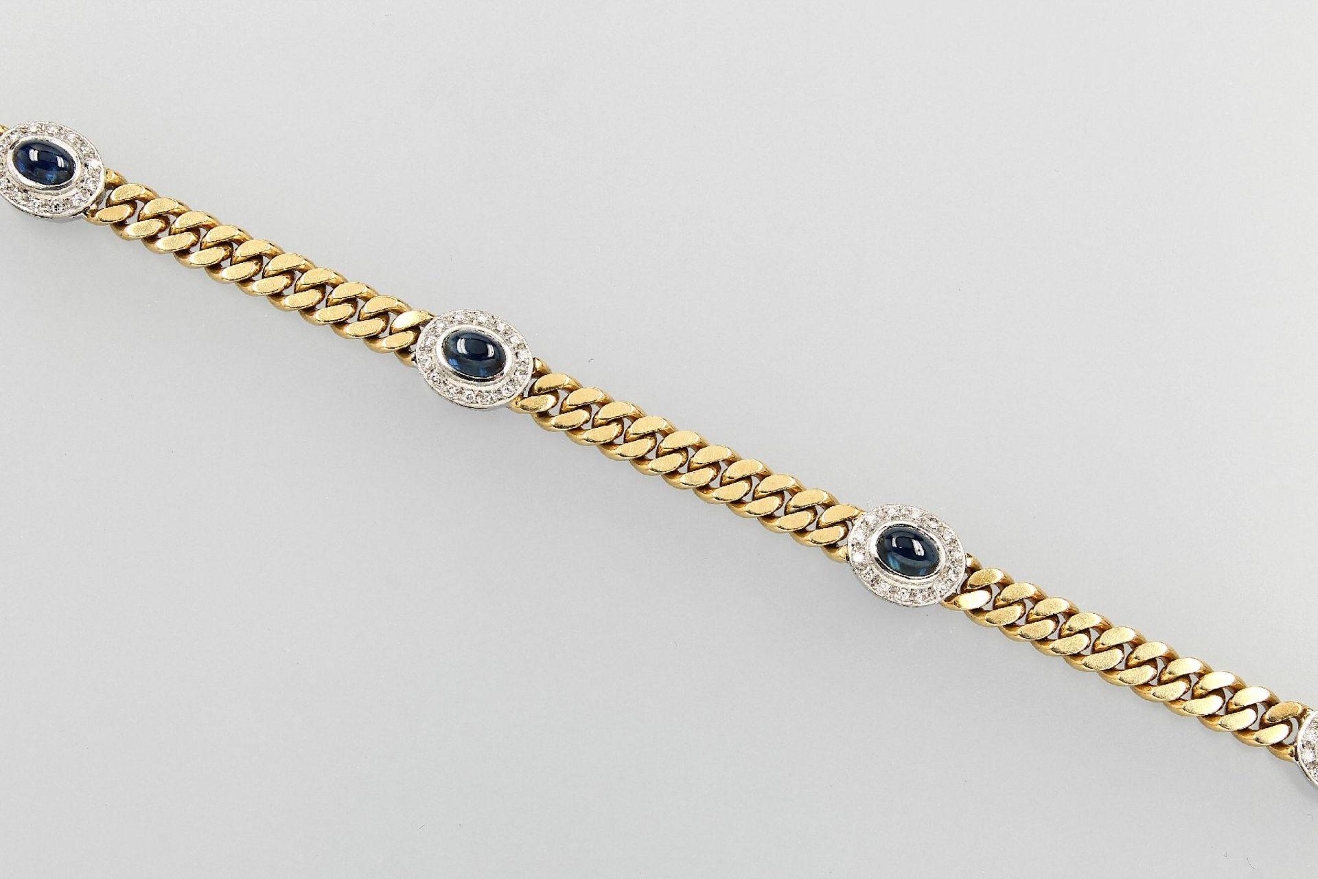 18 kt Gold Flachpanzerarmband mit Saphiren und Diamanten, GG/WG 750/000, 4 ovale Saphircabochons