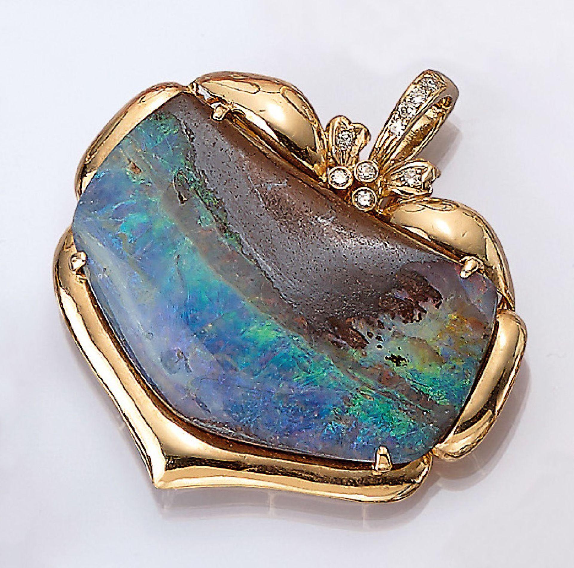 14 kt Gold Clipanhänger mit Boulder Opal und Brillanten, GG 585/000, gepr., großer Boulderopal mit