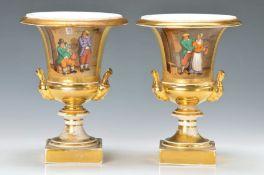 Paar Vasen, Frankreich, um 1860, reiche Goldstaffage, rückseitig mit Goldätzung, Front mit
