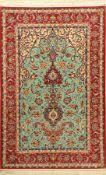 Türkisgrundiger Esfahan fein, Persien, ca. 15 Jahre alt, Korkwolle mit und auf Seide. Feiner Esfahan