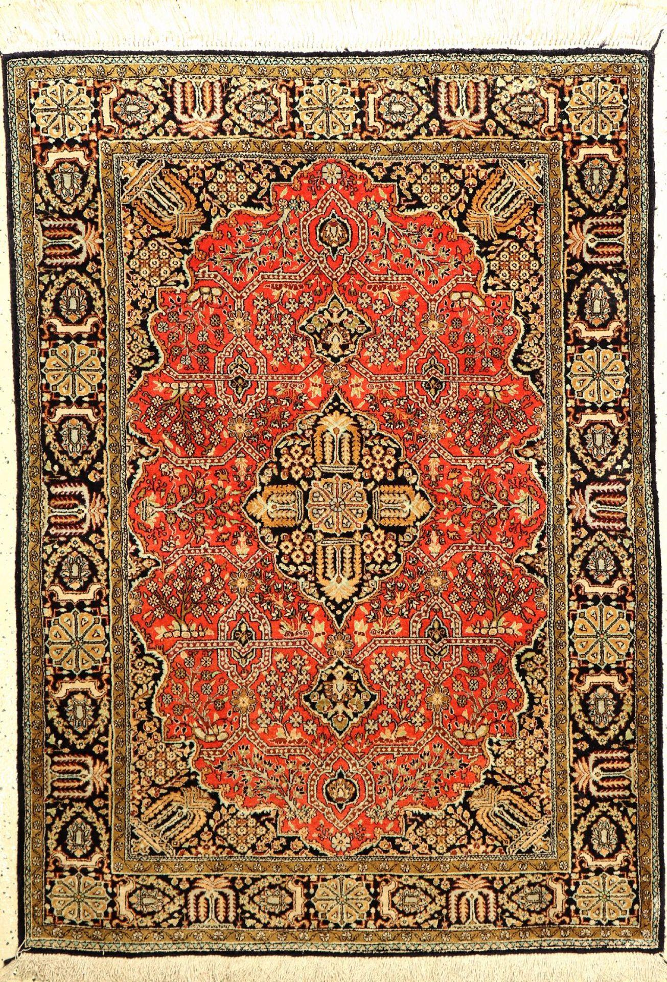 Seiden Ghom alt, Persien, ca. 40 Jahre, reine Naturseide, ca. 152 x 110 cm, EHZ: 2Silk Qum Rug,