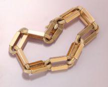 18 kt Gold Armband, GG 750/000, Ankerkettenglieder mit eingesetzten Quadern, Oberfläche z.T.