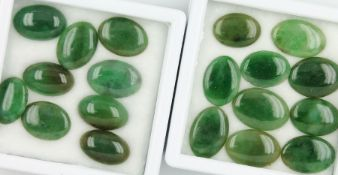 Lot 19 lose Jadecabochons zus. ca. 61.0 ct Schätzpreis: 900, - EURLot 19 loose jade cabochons